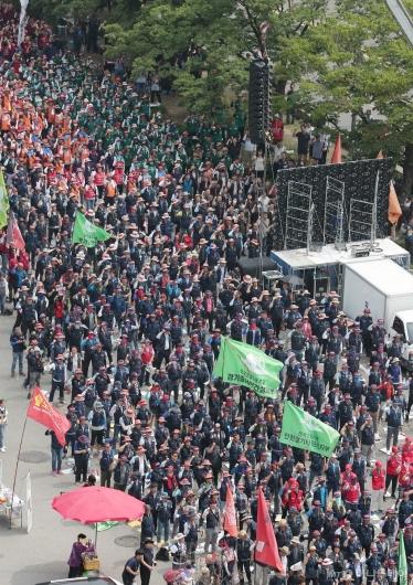 [사진]국회 앞 도로 민주노총 인파