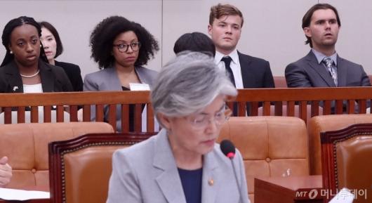 [사진]국회 외통위 방청하는 미국 대학생들