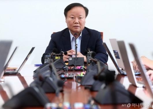 [사진]기자간담회 갖는 김재원 위원장