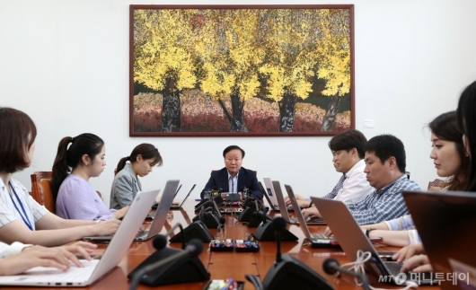 [사진]김재원 위원장 기자간담회