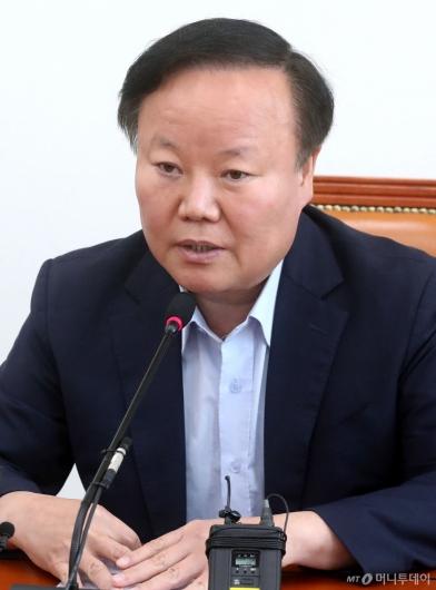 [사진]발언하는 김재원 예결위원장