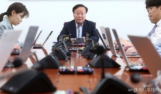 [사진]간담회 갖는 김재원 예결위원장