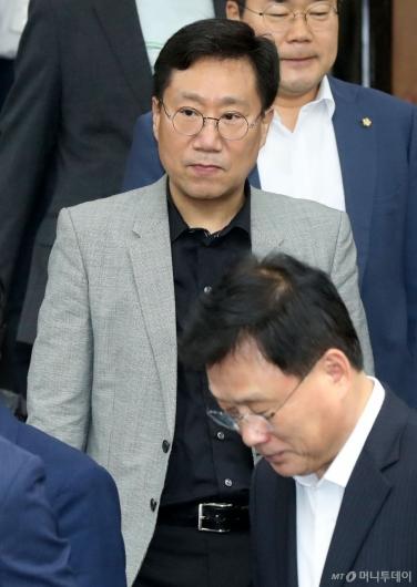 [사진]확대간부회의 참석하는 양정철