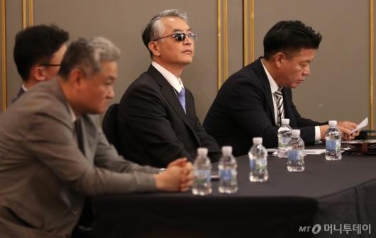 [사진]신라젠 긴급 간담회 참석한 문은상 대표