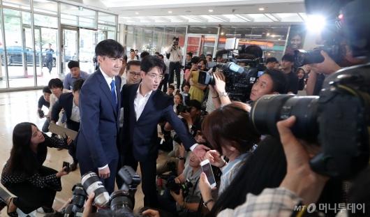 [사진]조국 후보자 '법무부 장관 준비 시작'