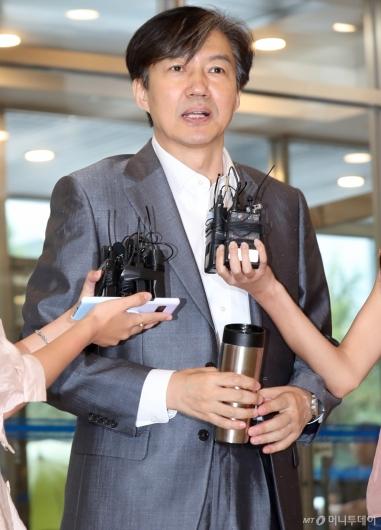 [사진]취재진 만난 조국 법무부 장관 후보자