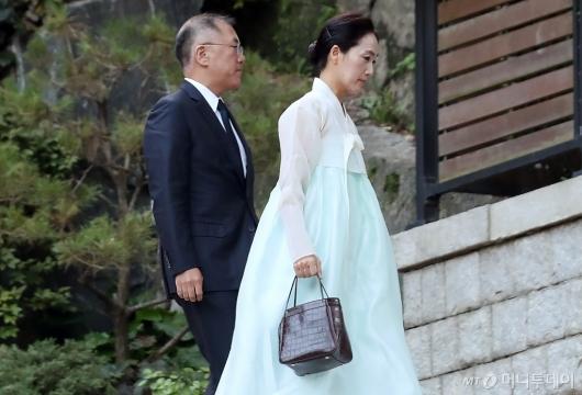[사진]정의선 부회장, 故 변중석 여사 12주기 제사 참석