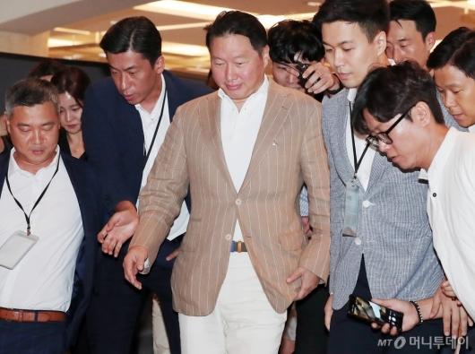 [사진]최태원 회장 'SK 이천포럼' 참석