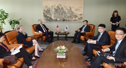 [사진]이도훈-스티븐 비건, 한·미 북핵 수석대표 협의