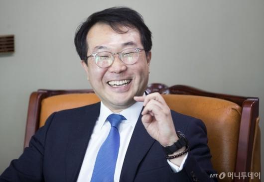 [사진]활짝 웃는 이도훈 한반도평화교섭본부장