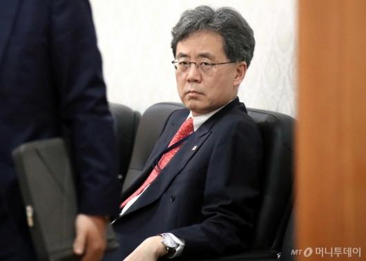 [사진]굳은 표정의 김현종 靑 국가안보실 2차장