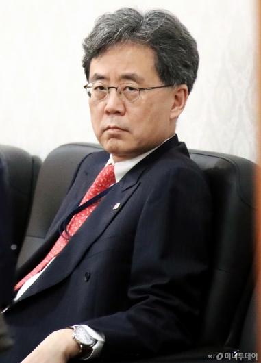 [사진]'김현종의 고민은?'