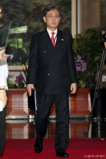 [사진]스티븐 비건과 면담 마친 김현종 국가안보실 2차장