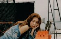 레드벨벳 슬기, 매혹적인 데님+스니커즈룩