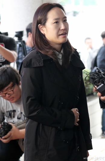 [사진]법정 향하는 최민수 아내 강주은