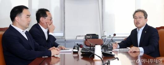 [사진]법사위, 조국 후보자 청문회 증인 채택 논쟁