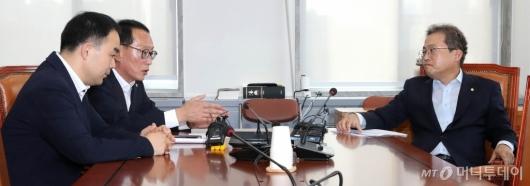 [사진]법사위, 조국 청문회 증인 채택 논의