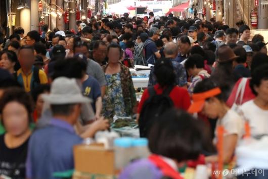 [사진]추석 앞두고 붐비는 전통시장