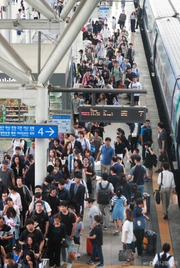 [사진]서울역 귀경인파