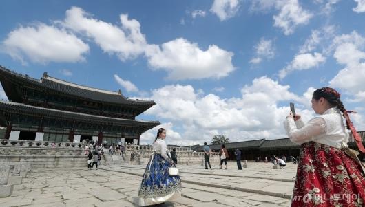 [사진]'파란 하늘과 경복궁'