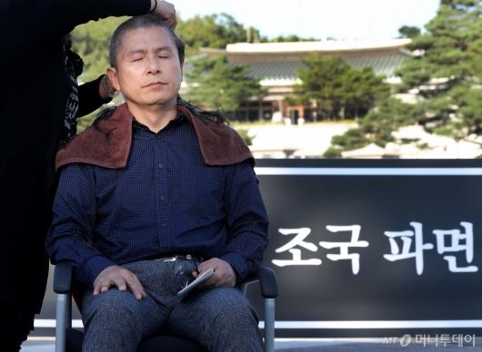 [사진]'삭발 투쟁' 황교안
