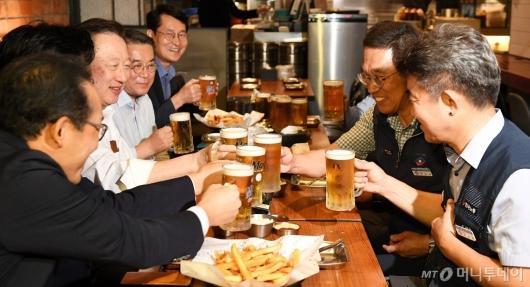 [사진]건배하는 대한상의-한국노총