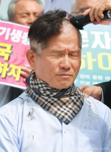 [사진]김문수 '삭발'