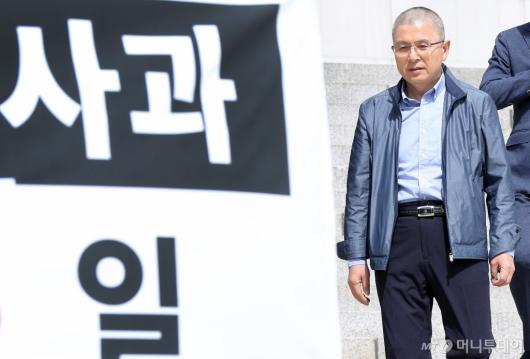[사진]이학재 의원 찾는 황교안 대표