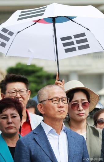 [사진]삭발한 김문수 '태양을 피하고 싶어서'