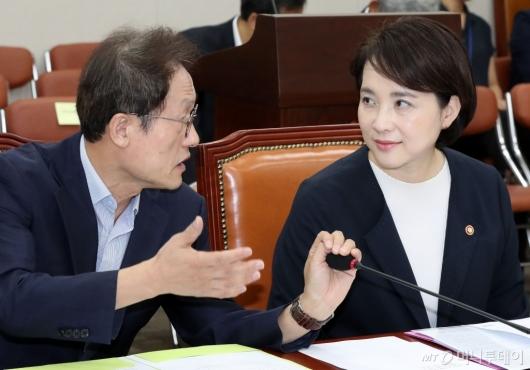 [사진]이야기 나누는 유은혜-조희연