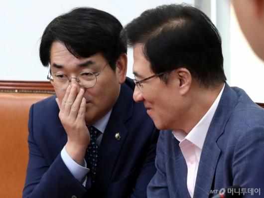 [사진]대화하는 박용진-신경민