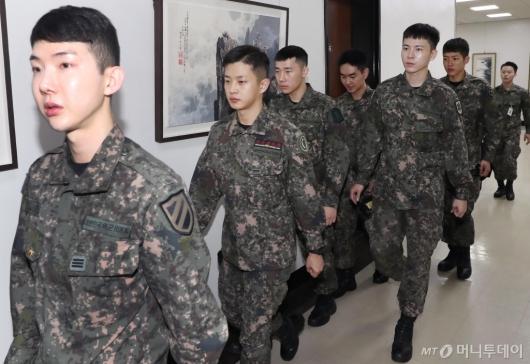 [사진]뮤지컬 귀환 배우들 국회 방문