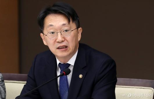 [사진]모두발언하는 김현준 국세청장