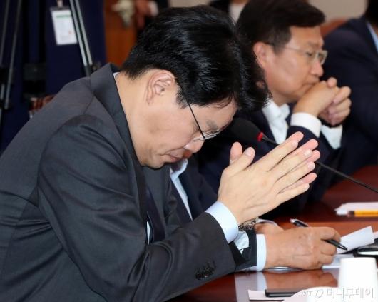 [사진]고개 떨군 장제원