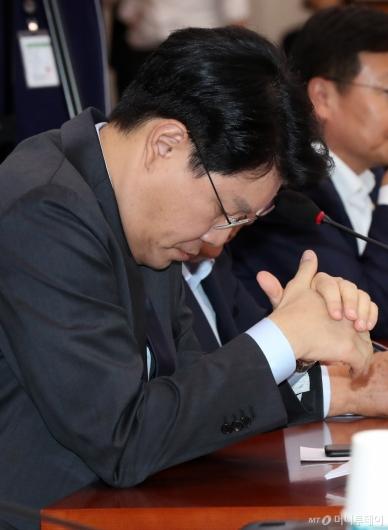 [사진]고개 떨구는 장제원 의원