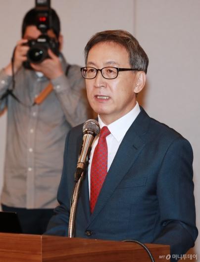 [사진]기자회견 나선 김선영 헬릭스미스 대표