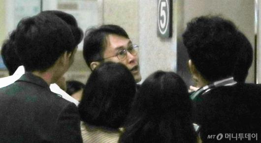 [사진]중앙지검 찾은 정 교수 변호인 이인걸 전 특감반장
