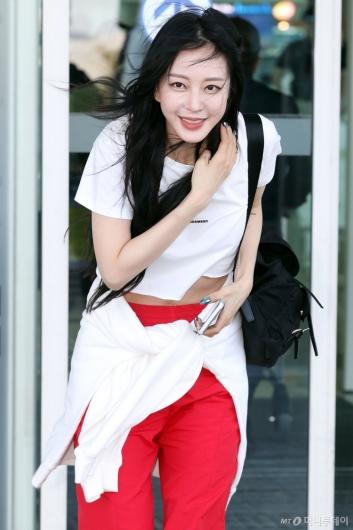 [사진]한예슬 '잘다녀올게요'