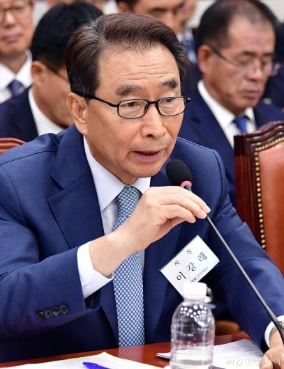 [사진]발언하는 이강래 사장