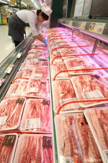 [사진]돼지고기 도매가 ㎏당 3천원대 하락