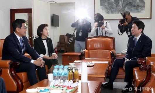 [사진]회동하는 교섭단체 원내대표