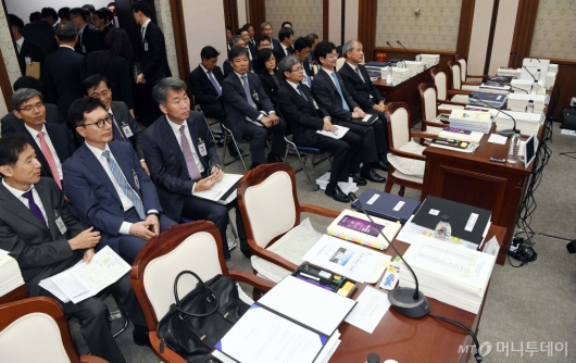 [사진]국감 개회에도 비어있는 법원장들 자리