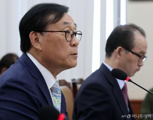[사진]발언하는 김상균 이사장