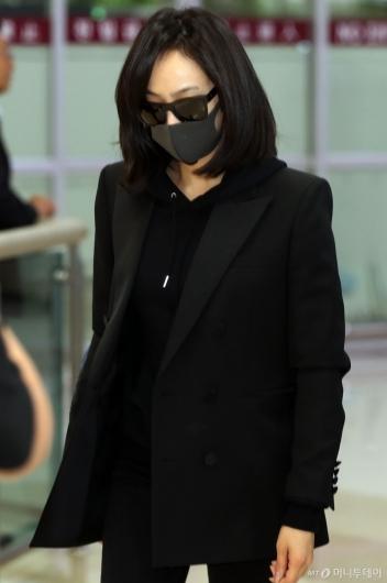 [사진]빅토리아 '드라마 촬영 중단하고 입국'