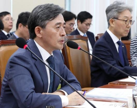 [사진]국감 발언하는 양승동 사장