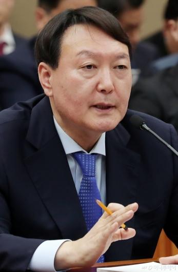 [사진]윤석열 검찰총장 '국감 답변'