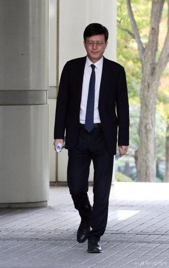 [사진]법정 향하는 정경심 교수 변호인