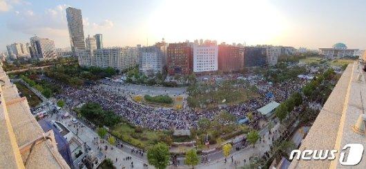 [사진] 국회 앞 검찰개혁 촛불 문화제