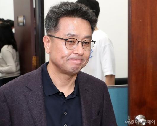 [사진]회의 참석하는 이철희