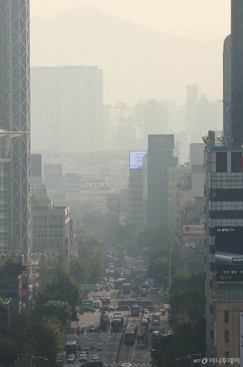[사진]올 가을 첫 '미세먼지 예비저감조치'